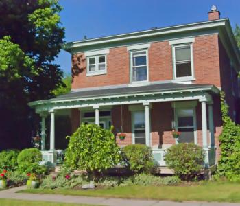 Neumann House Bed and Breakfast