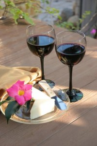 Perfectly paired wine & cheese awaits guest enjoyment at Cold Spring Inn's complimentary welcome gathering.