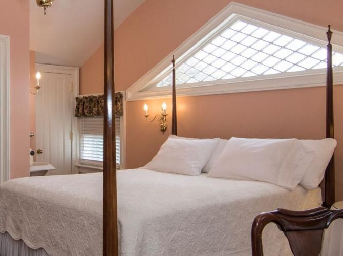 Relax in style atRochester InnLocated in Sheboygan Falls WIView Listing
