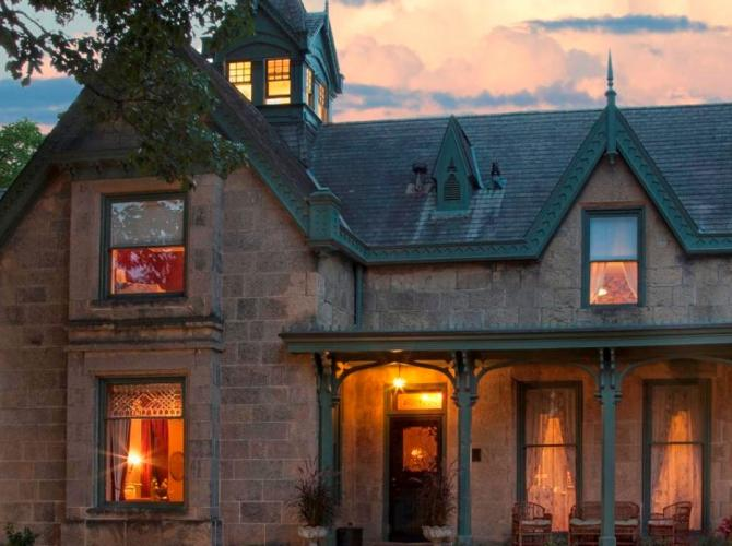 Relax in style atThe Livingston InnLocated in Madison WIView Listing