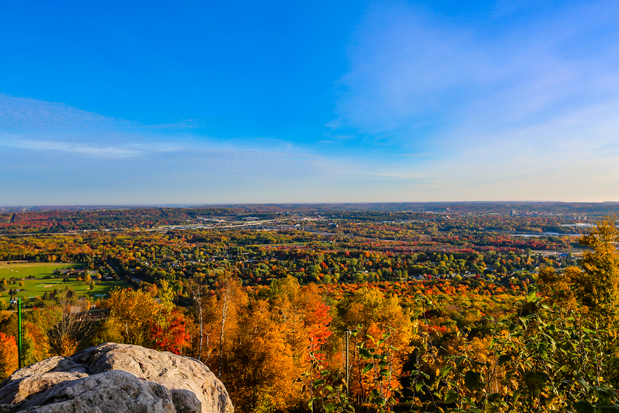 Visit a Bed and Breakfast and see the best Wisconsin Fall Colors in 2019