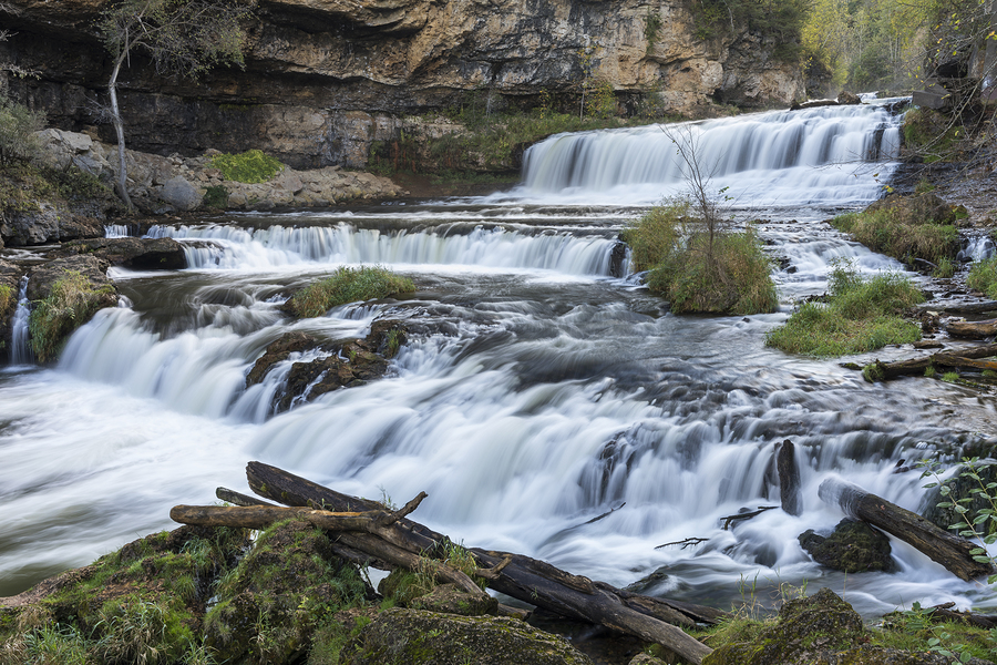 10 of the Best Waterfalls in Wisconsin to See This Spring