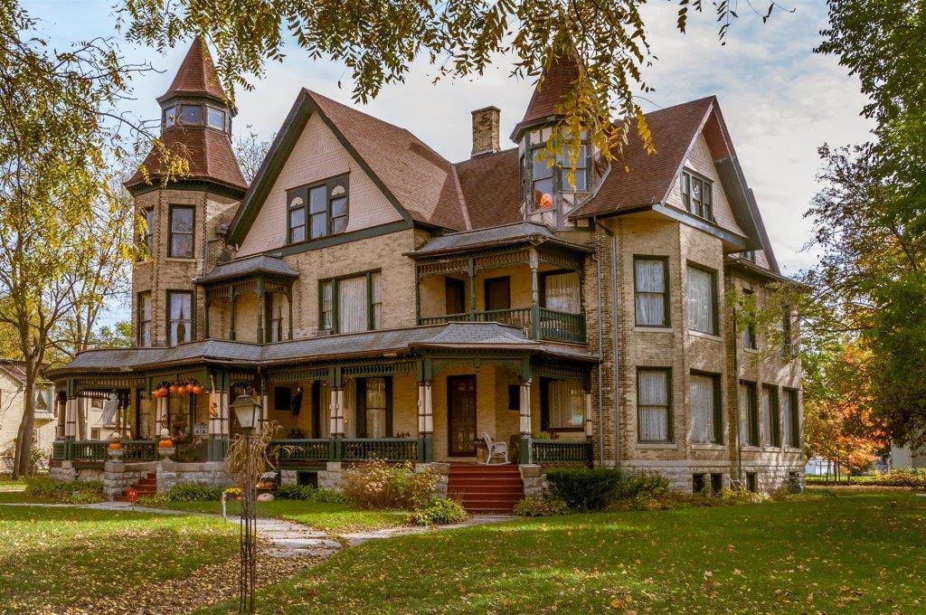 Fargo Mansion trails